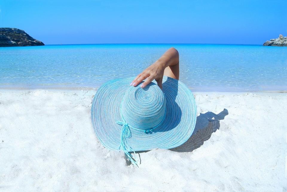 เลือกหมวกสวย ๆ ต้อนรับ summer