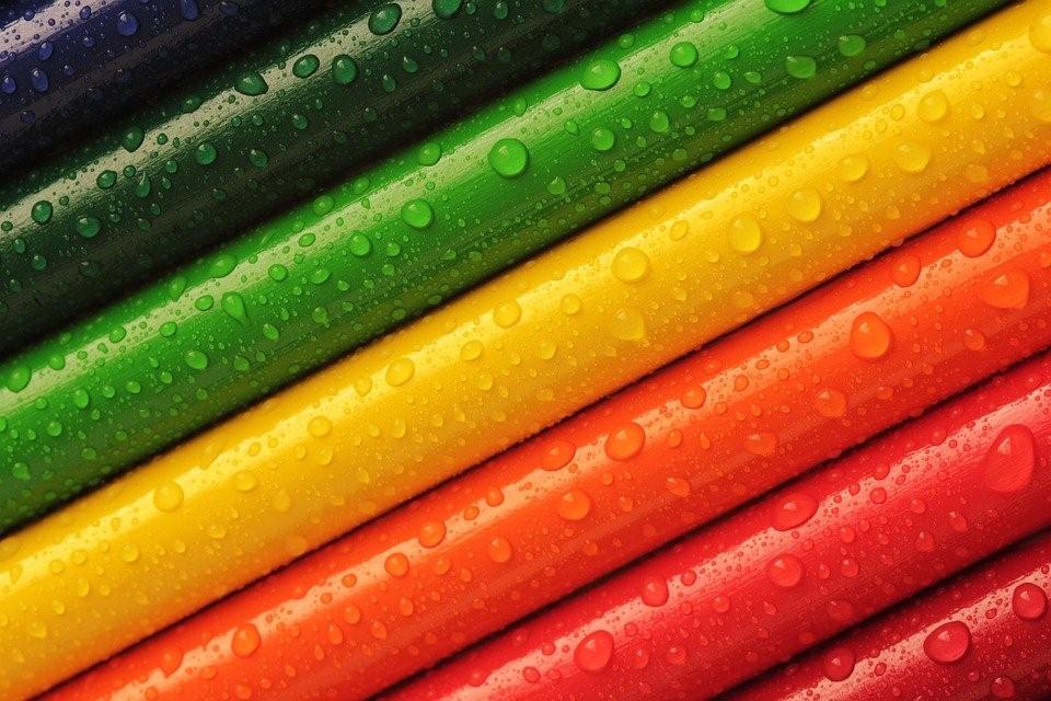 เทรนด์แฟชั่นการแต่งตัวตามสีมงคลประจำวัน